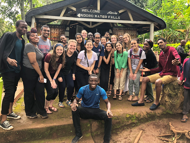 The students in the 2018 Tanzania program
